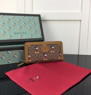 Disney x Gucci zip around wallet
